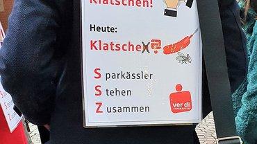 Streikende bei der Sparkasse Ulm