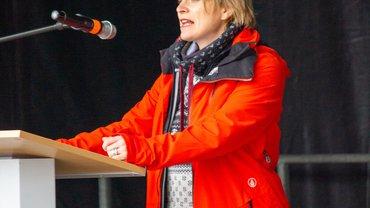 Hanna Binder stellv Landesbezirksleiterin spricht
